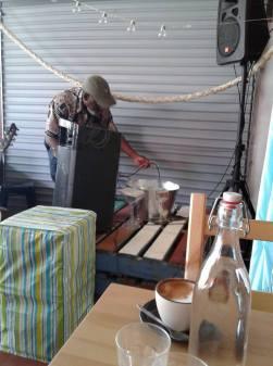 Impromptu Sunhouse Surf kiosk gig
